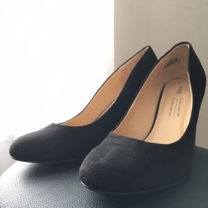 Black Size 8 Pumps Unworn!